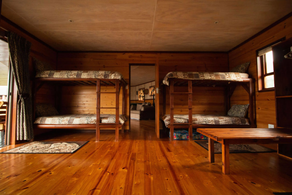 Mpunzi Log Cabin bunk beds